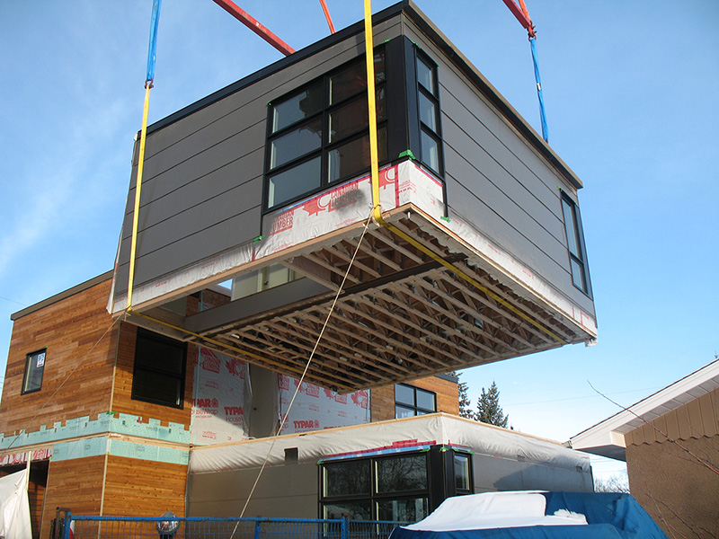 Modular home being placed